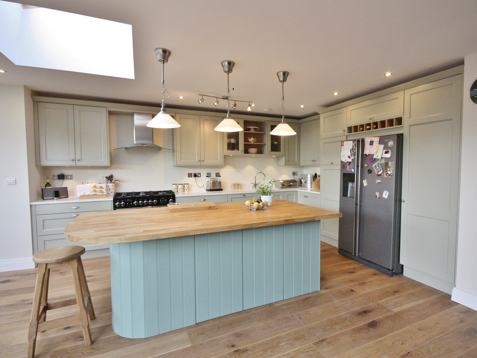 Modern Country Style Farrow And Ball Hardwick White For The Ultimate Modern Country Kitchen