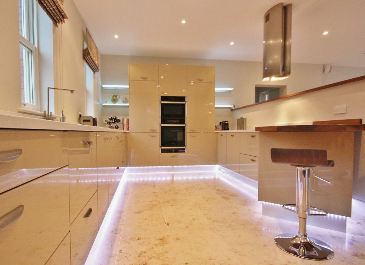 high_gloss_cream_kitchen_enigma_dublin_1