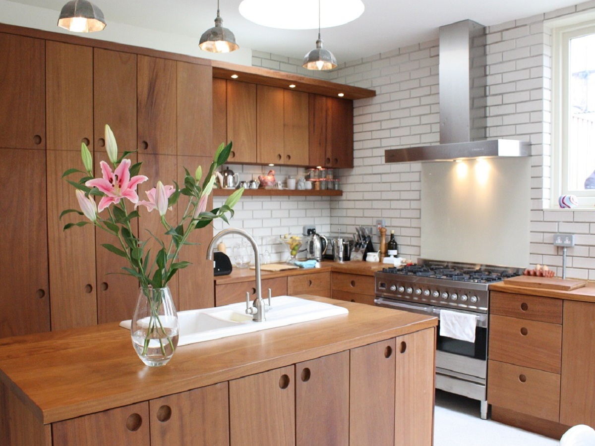 solid_iroko_kitchen_bespoke_wicklow_1